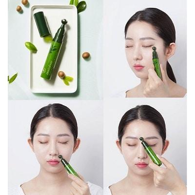 Kem dưỡng da vùng mắt Innisfree Green Tea Seed Eye & Face Ball dạng bút lăn.